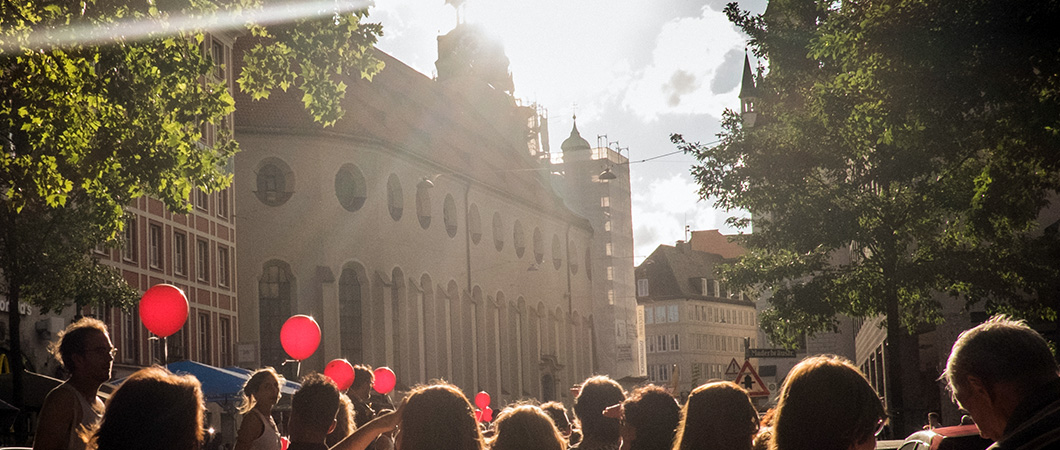 Kultur für alle - Rote Luftballons bei Utopia 2018