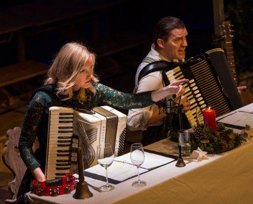 Amelie Diana und Andi Bittl mit Zieharmonika