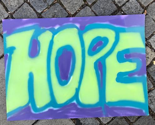 """Eine Graffiti mit dem Schriftzug """"Hope"""""""