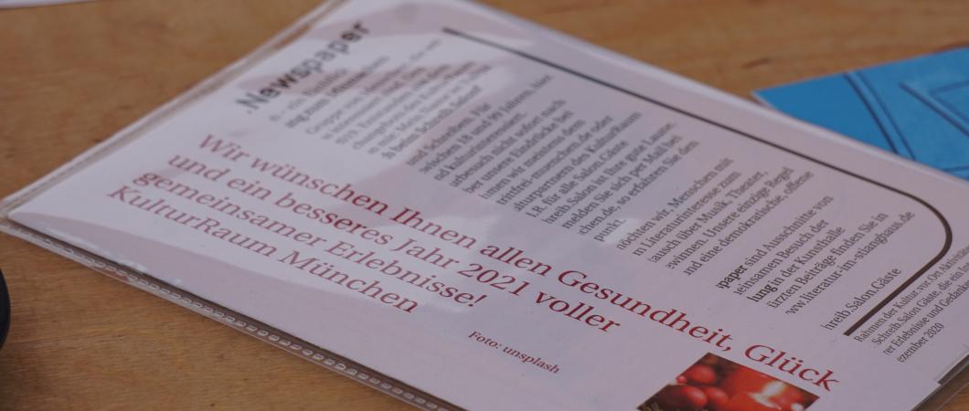 Schreib.Salon Newspaper in Klarsichthülle zum Mitgeben
